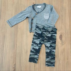 Mud Pie | Long Sleeve Gray & Camo Pants Outfit